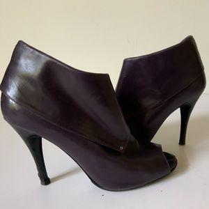 Sigerson Morrison size 8.5 Purple Booties